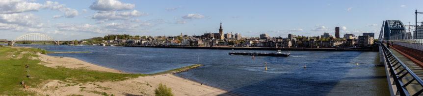 Nijmegen, Waal, spoorbrug, Snelbinder, Stevenskerk, Waalbrug